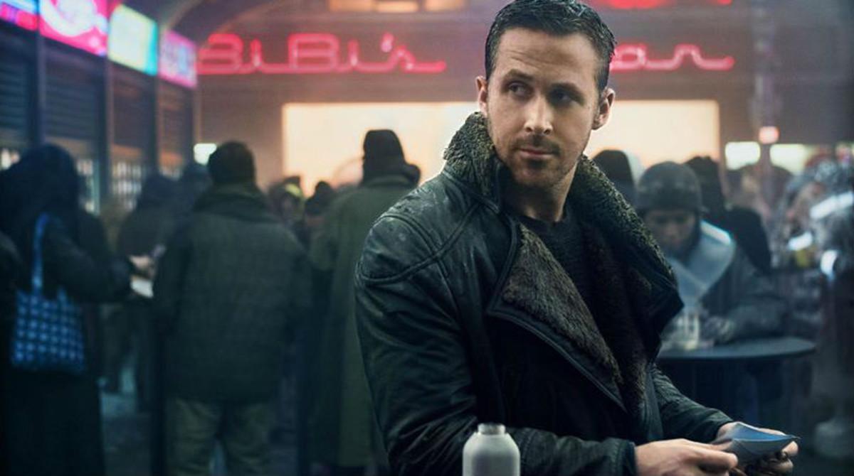 Ryan Gosling, en una imagen de 'Blade runner 2049', por cuya fotografía ganó un Oscar Roger Deakins.