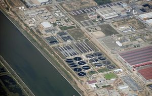 Vista aérea de la depuradora del Prat, en una imagen del archivo