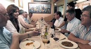 Dinar de trobada setmanal, ahir, al restaurant Lázaro de Barcelona.