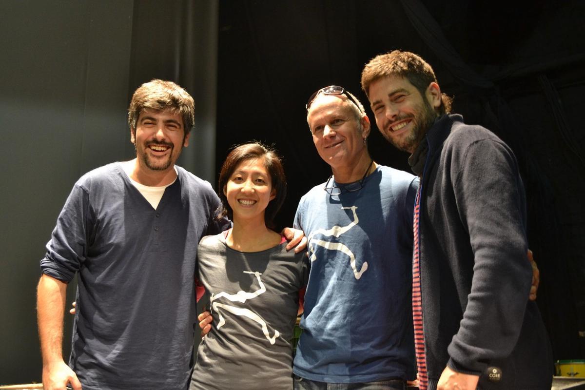 Mayumana estrena 'Rumba!' con banda sonora de Estopa en el Atrium de Viladecans.