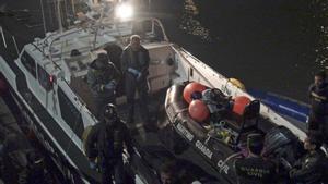 Los ocupantes de la embarcación son hombres, y entre ellos hay al menos ocho menores.