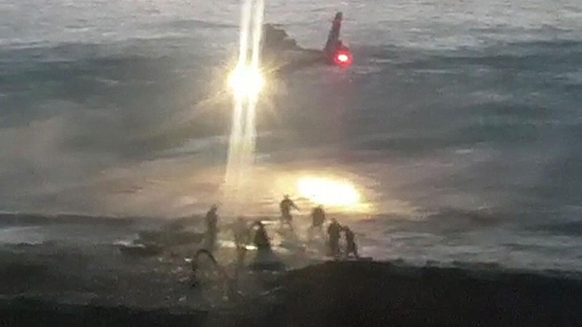 Los Cuerpos de Seguridad llevan a cabo una operación antidroga en la paya de Getares, Algeciras.