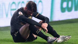 Sergi Roberto se lamenta de su lesión muscular en Granada.
