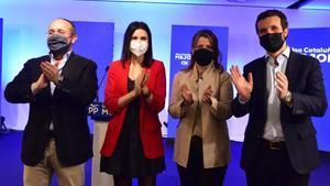 El candidato del PPC al 14-F,Alejandro Fernández; la número dos, Lorena Roldán; la número tres, Eva Parera; y el líder del PP, Pablo Casado.