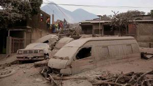 Almenys 40 morts pel volcà de Fuego a Guatemala