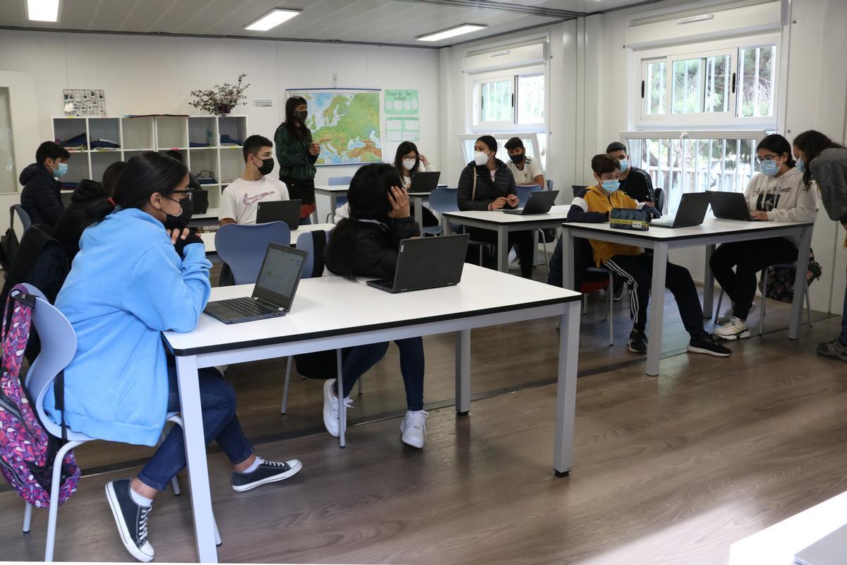Clase de cuarto de ESO en el Institut Escola El Til·ler, de Barcelona.