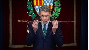 Albiol jura su cargo como nuevo alcalde de Badalona.