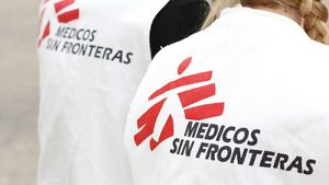 Dos trabajadores de Médicos sin Fronteras.