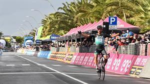 Peter Sagan gana en solitario la décima etapa del Giro.