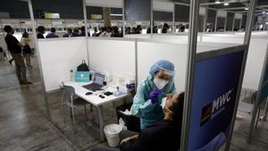 Els vacunats amb pauta completa no hauran de fer-se una PCR ni quarantena si tenen un contacte estret