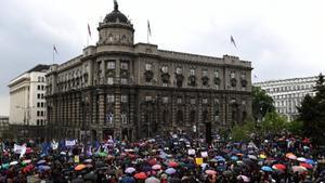 Los manifestantes salen a protestar por cuarto sábado consecutivo en Serbia