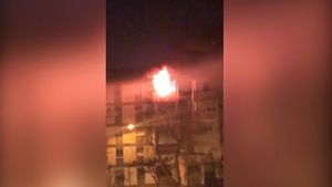 Dos fallecidos y un bebé por el incendio de un piso en Huelva.