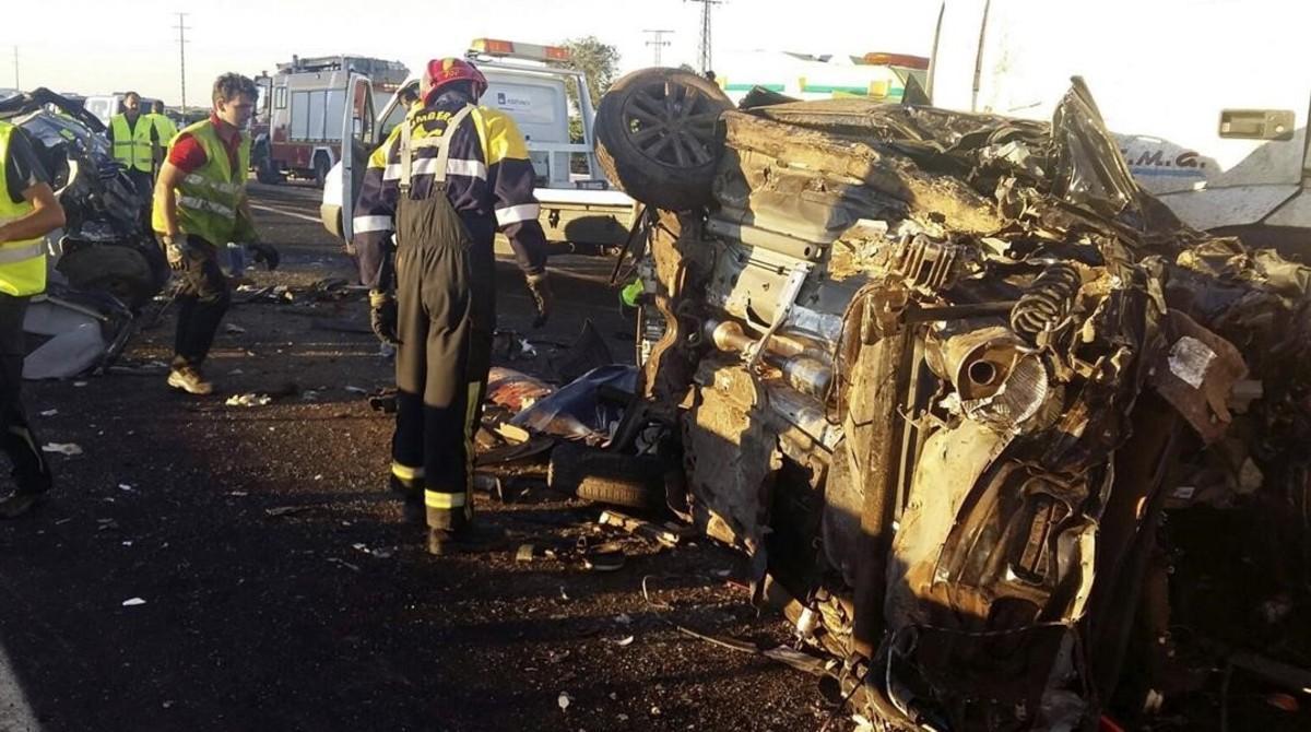 Accidente de trafico multiple ocurrido el 18 de agosto, en el que se vieron implicados 15 vehículos y tres camiones en la A-4 a su paso porManzanares (Ciudad Real).