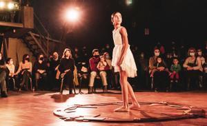 'Emotion': un espectacle de dansa i acrobàcies