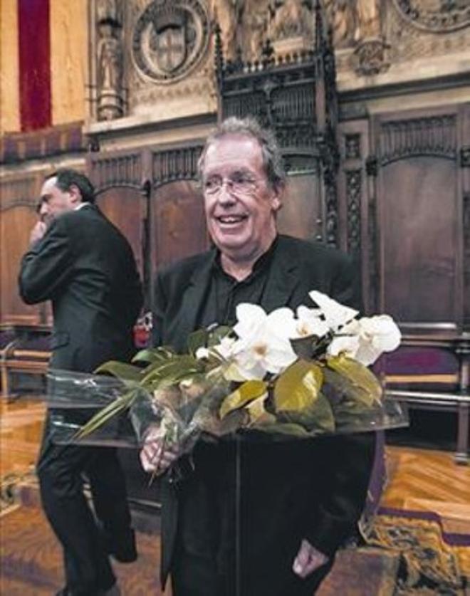 Miquel de Palol, ganador de los Jocs Florals, ayer en el Saló de Cent.