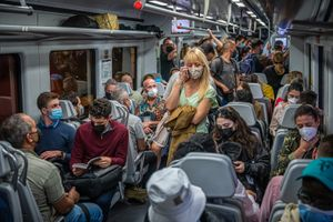 Un vagón de Rodalies lleno de gente, en la tercera jornada de huelga de maquinistas de Renfe.