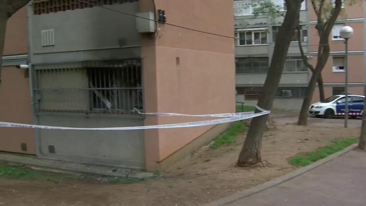Mor una dona i una altra resulta ferida en un incendi a Nou Barris