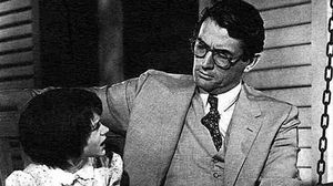 Gregory Peck, en un fotograma de la versión cinematográfica de 'Matar a un ruiseñor'.
