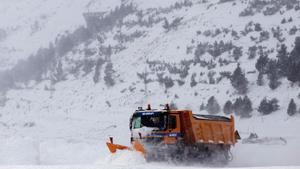 Protecció Civil alerta de nevades a 400 metres a l'interior de Catalunya i el Pirineu