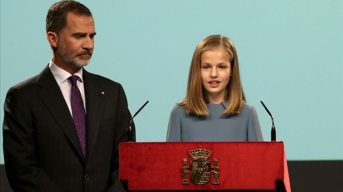 Felipe VI, junto a la princesa Leonor.