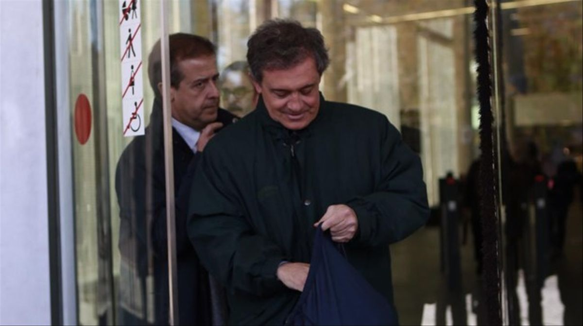 Jordi Pujol Ferrusola sale, tras declarar como imputado por la fortuna oculta de su familia.