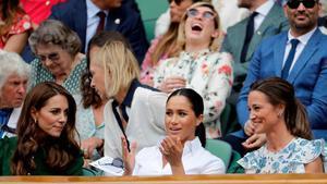 Kate Middleton,Meghan Markle yPippa Middleton, el sábado en la final femenina de Wimbledon.