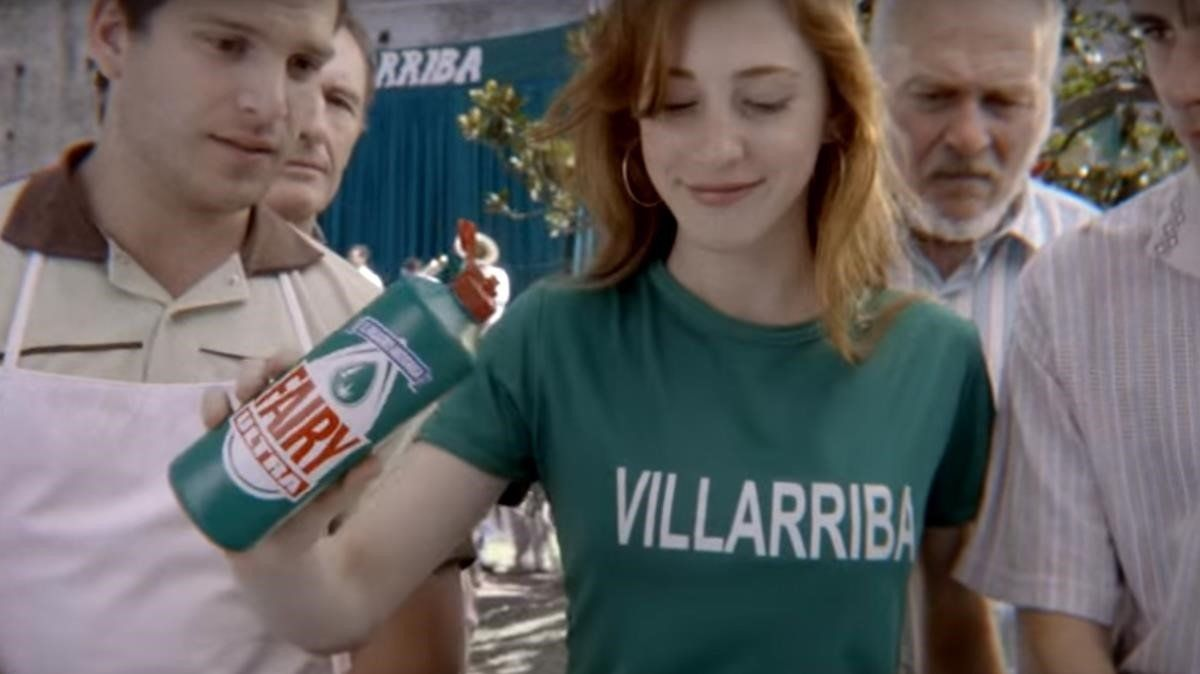 Los eternos perdedores del anuncio de Fairy, los vecinos de Villabajo