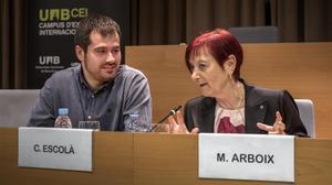 El alcalde de Cerdanyola, Cales Escolà, junto a la rectora de la UAB, Margarita Arboix, el pasado mes de junio.