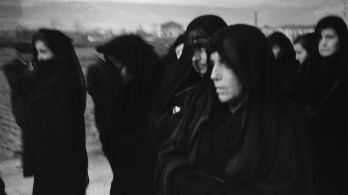 Entierro de víctimas de la guerra civil en Montcada i Reixac, 21 de enero de 1940