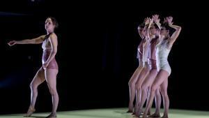 'La piel vacía', bailarines que te dejan con la boca abierta