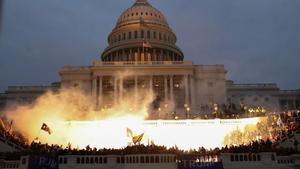 Un momento del asalto al Capitolio.