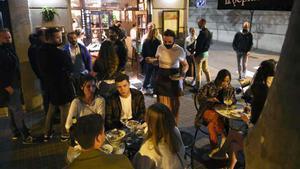 Un restaurante de Barcelona, abierto por la noche.