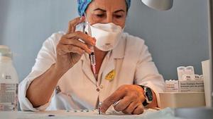 Galícia inicia l'assaig clínic pediàtric de la vacuna de Pfizer en menors de 12 anys