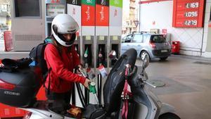 El preu de la gasolina puja un 0,3% en la setmana prèvia a l'operació sortida d'agost