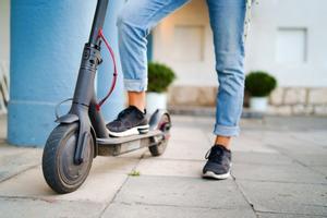 El Ayuntamiento de Parets actualizará la ordenanza de circulación de vehículos que fue aprobada en 2001 para incluir la regulación de los patinetes eléctricos.