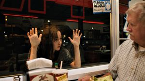 Fotograma de 'Mona Lisa and the blood moon', de Ana Lily Amirpour, película inaugural de Sitges 2021