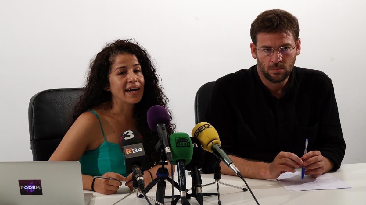 La secretaria de organización, Ruth Moreta, junto al secretario general de Podem Catalunya, Albano Dante.