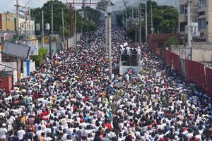 La manifestación fue la más multitudinaria de las que se ha celebrado desde el inicio del movimiento antigubernamental.