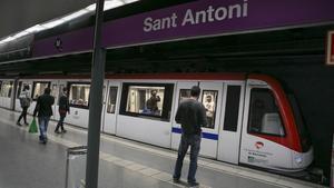 La parada de metro de Sant Antoni de la línea L2.