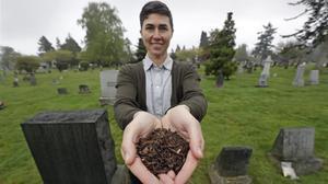Katrina Spade, fundadora y directora general de Recompose, la empresa que elabora el abono.