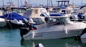 Un mena roba una lancha en Melilla para intentar cruzar el mar de Alborán.