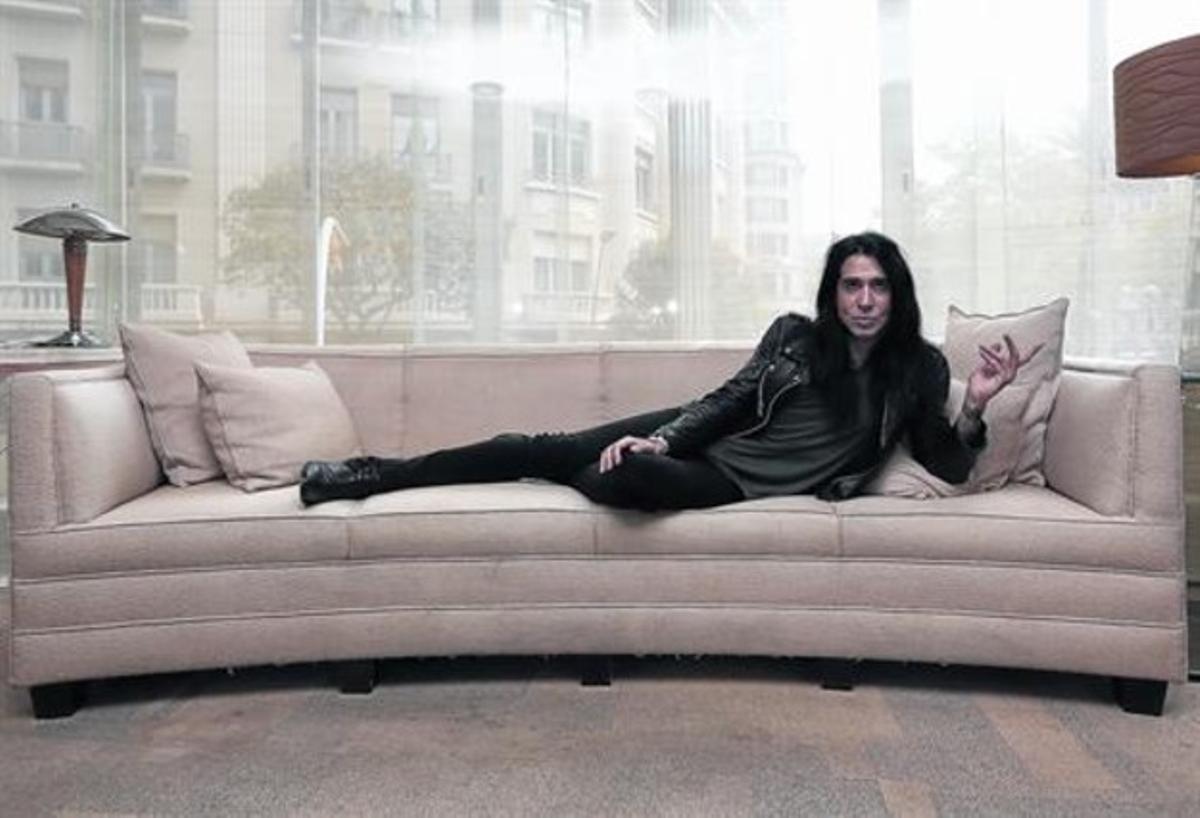Mario Vaquerizo, en un sofá del Hotel Presidente de Barcelona, el pasado viernes.