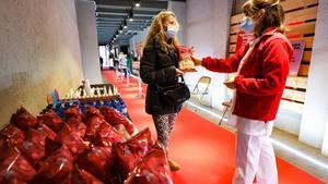 Este año, la maratón de donantes de sangre está ambientada en el mundo del cine, con alfombra roja y palomitas para los que participan.