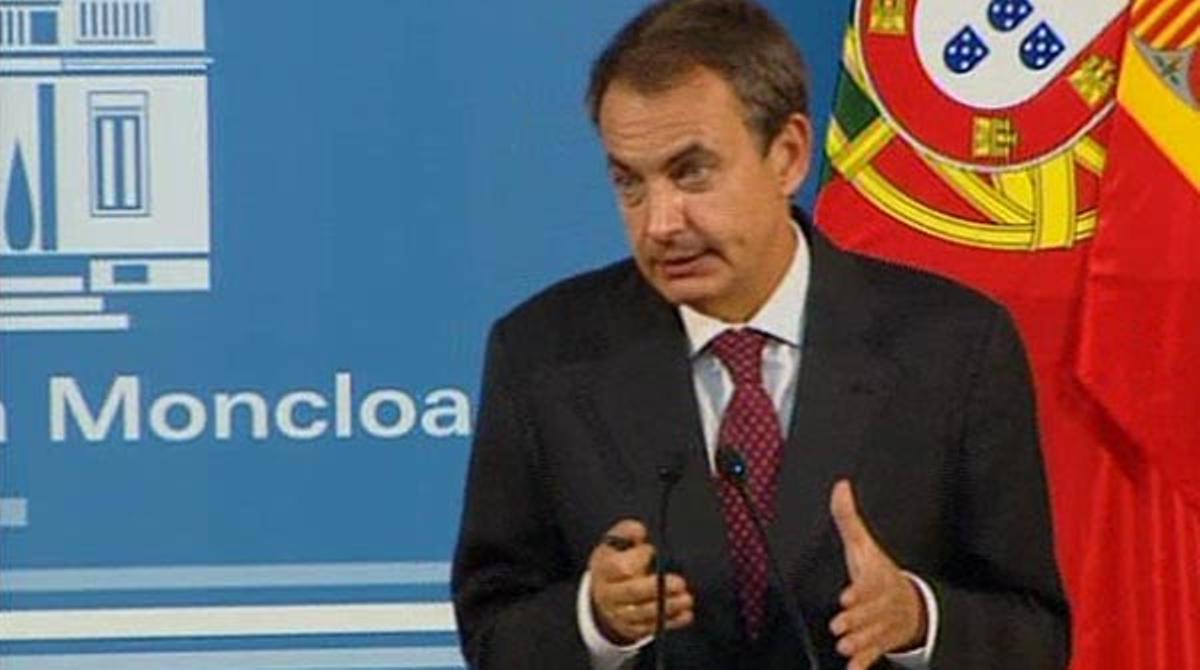 Zapatero insiste en que España necesita la reforma constitucional.