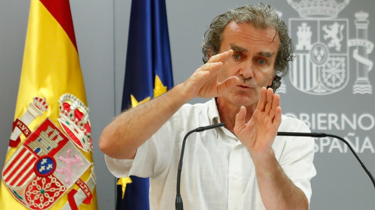 El director del CCAES, Fernando Simón, ha alertado de que sigue habiendo transmisión y cada día tenemos más.