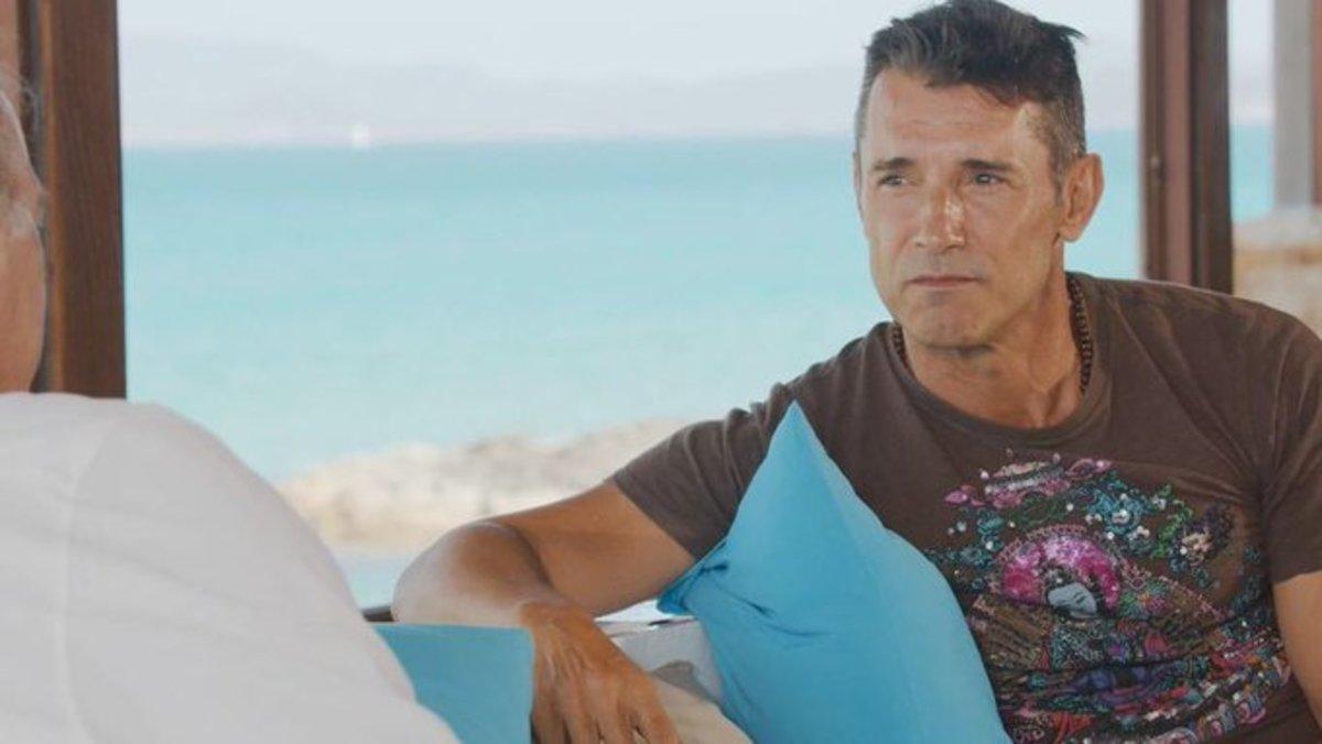 La crítica de televisión Mariola Cubells pide perdón a Jesús Vázquez por encubrir un falso testimonio del caso Arny