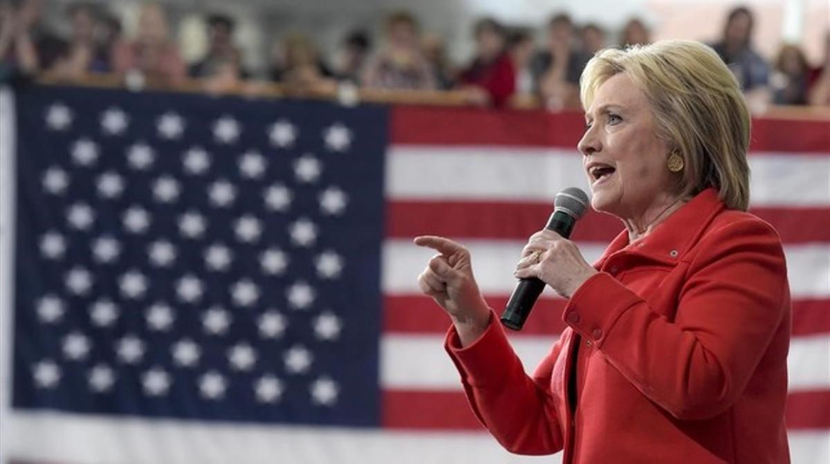 Clinton contra las cuerdas
