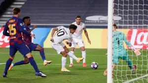 Coutinho bate a Ter Stegen en uno de los goles del 2-8.
