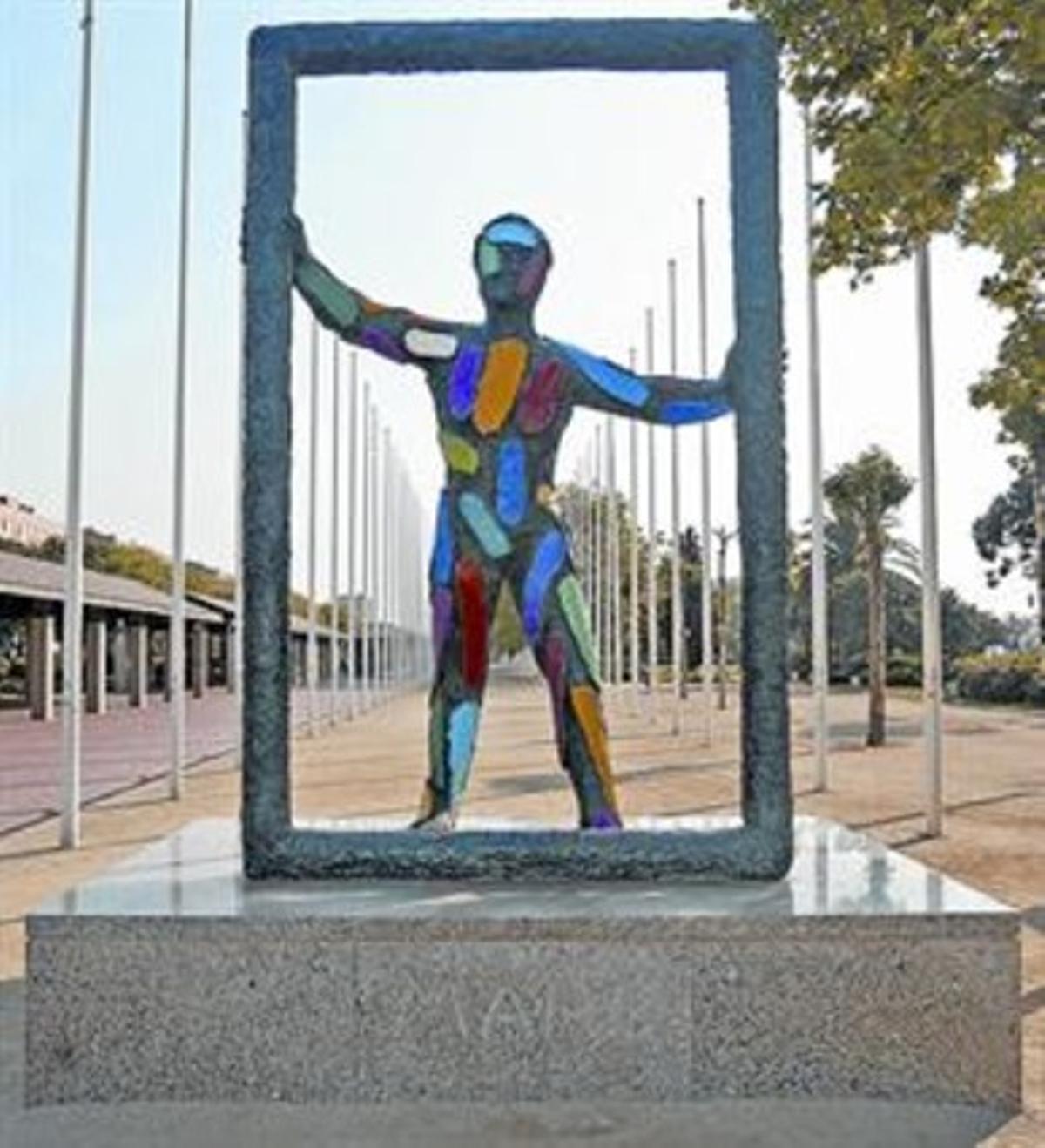 Multicolor 8 La escultura creada por Robert Llimós.