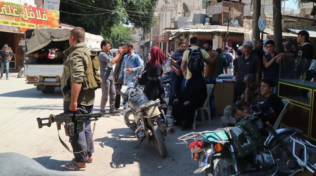 Soldados en el centro de la ciudad de Afrín, al norte de Siria.